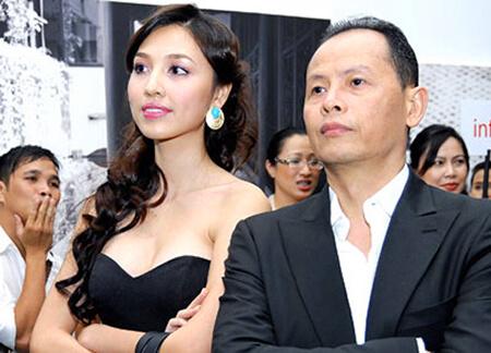 Nguyễn Quang Minh và vợ